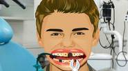Do you like Justin Bieber? If so, then help him improve his smile – make his teeth perfect white! Use special dentistry equipment to install crowns and veneers. […]